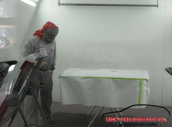 Repainting a tailgate of a Saturn Vue